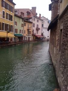 Il servizio idrico integrato nel territorio italiano: benchmarking della qualità