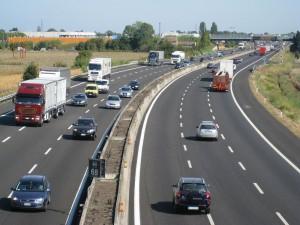 Evoluzione della scelta dei percorsi stradali: il ruolo dell'esperienza e dell'informazione