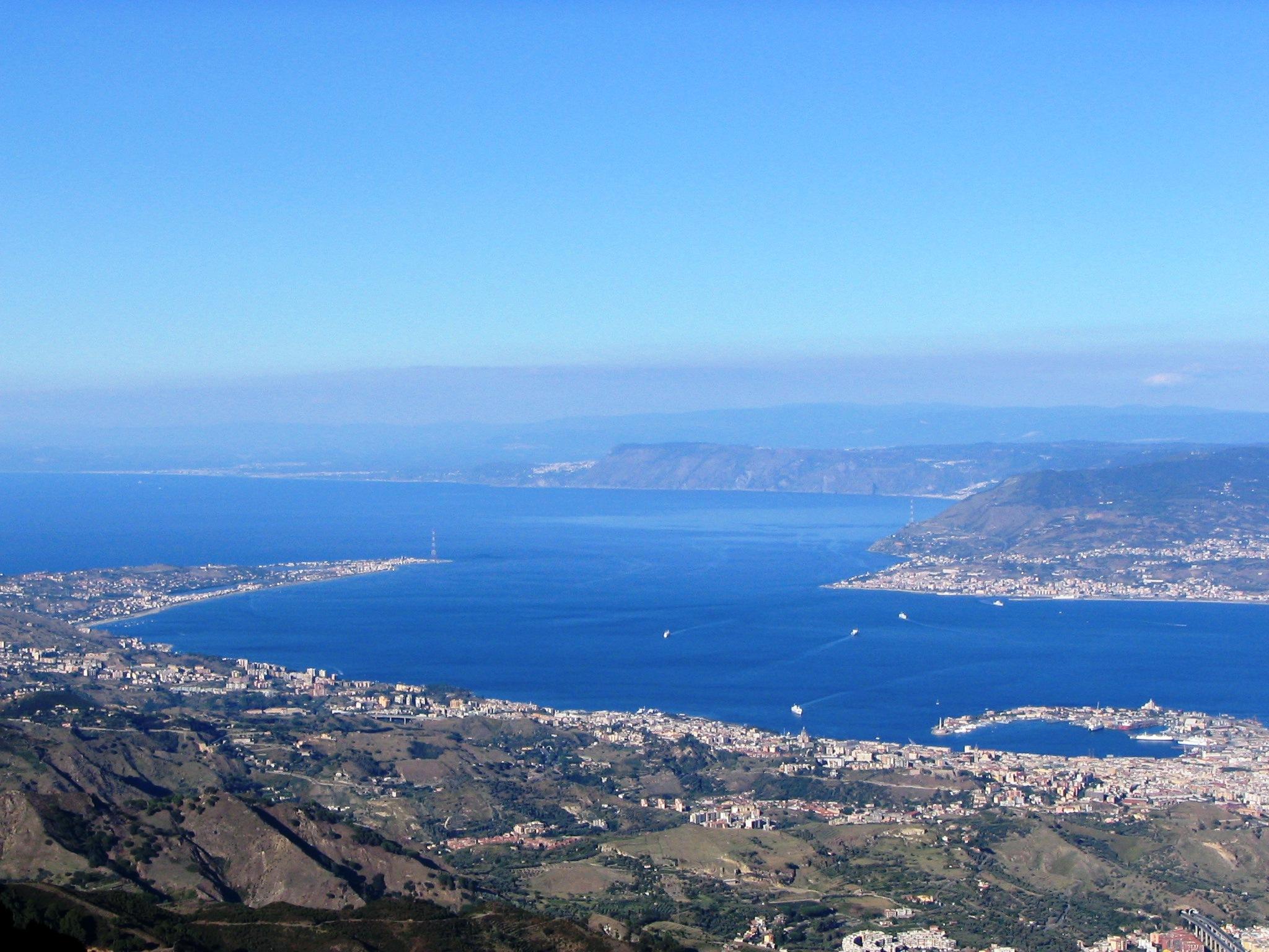 Reggio, Messina e l'ombra del Ponte:  le twin cities dello Stretto e la sfida dell'integrazione